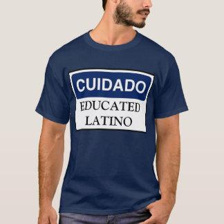 Cuidado: Camisa educada do Latino