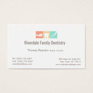 Cuidados dentários modernos do dentista cartão de visitas