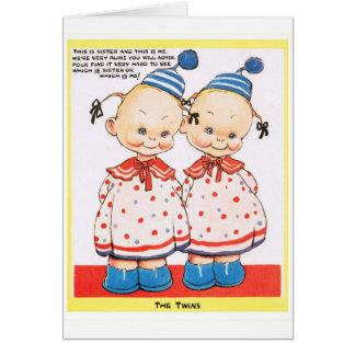 Cumprimento gêmeo do feliz aniversario das irmãs cartão comemorativo