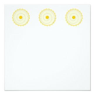Cupcake amarelo. Bolo congelado Convite Quadrado 13.35 X 13.35cm