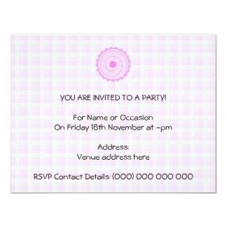 Cupcake. cor-de-rosa bonito convite 10.79 x 13.97cm