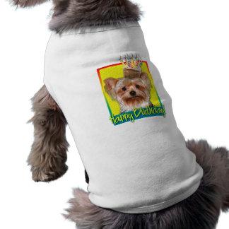 Cupcake do aniversário - yorkshire terrier camisa sem mangas para cachorro