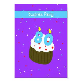 Cupcake do convite de aniversário do 80 da
