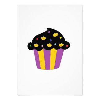 Cupcake do Dia das Bruxas das abóboras Convite Personalizado