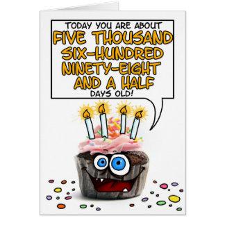 Cupcake do feliz aniversario - 15 anos velho cartão comemorativo