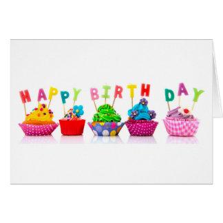 Cupcakes do feliz aniversario cartão comemorativo