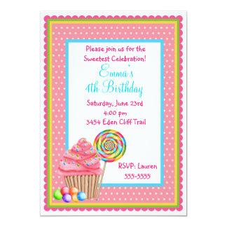 Cupcakes e convites do aniversário dos doces
