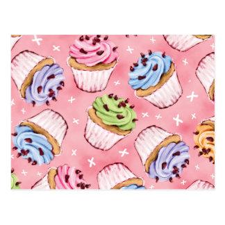 Cupcakes saborosos e cartão dos beijos
