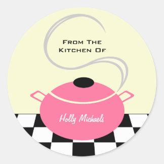 Da cozinha… do pote cor-de-rosa do cozinhar adesivo redondo