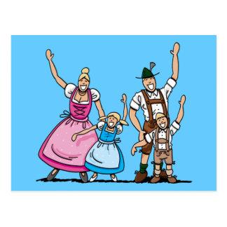 Da família bávara de Oktoberfest do cartão mãos de
