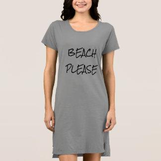 Da praia vestido do t-shirt por favor