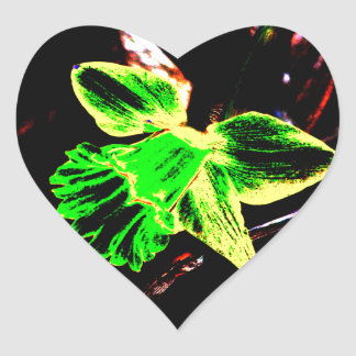Daffodil de néon verde e amarelo adesivo coração