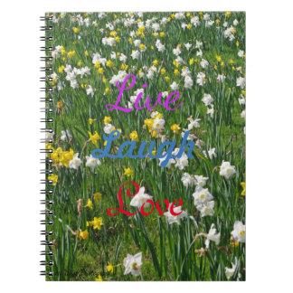 Daffodils do primavera cadernos