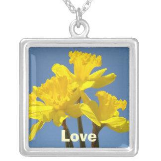 Daffodils florais da prata esterlina da colar do a