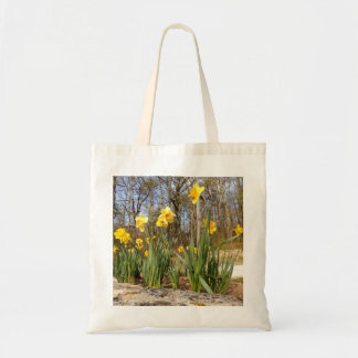 Daffodils na sacola do orçamento da páscoa bolsa tote