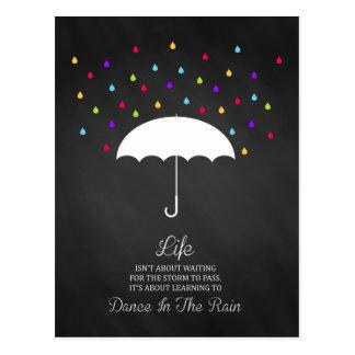 Dança no cartão inspirado da chuva