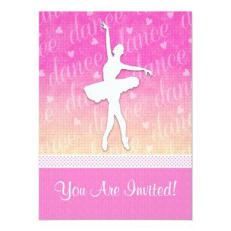 Dançarino apaixonado do inclinação cor-de-rosa com convite 13.97 x 19.05cm