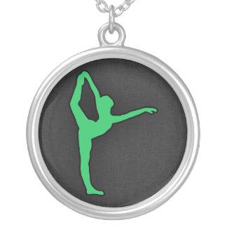 Dançarino de balé verde de Kelly Colar