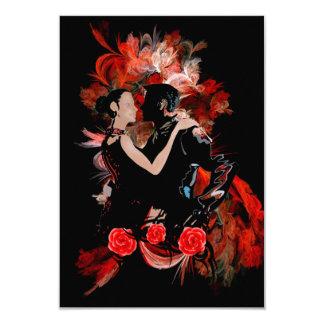 Dançarinos do tango no vermelho convite