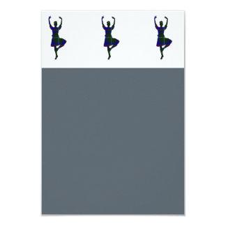 Dançarinos escoceses das montanhas convite 8.89 x 12.7cm