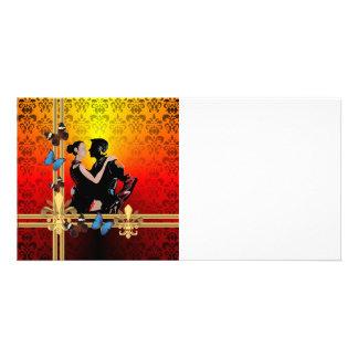 Dançarinos românticos do tango no damasco cartão com foto
