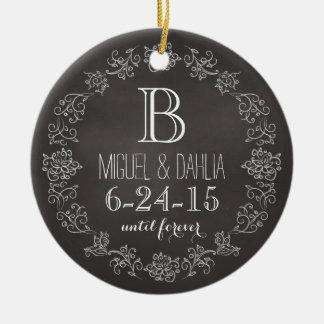 Data personalizada do casamento do monograma do enfeite de natal
