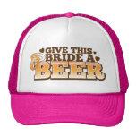 DÊ a ESTA NOIVA um design da loja da cerveja da CE Bone