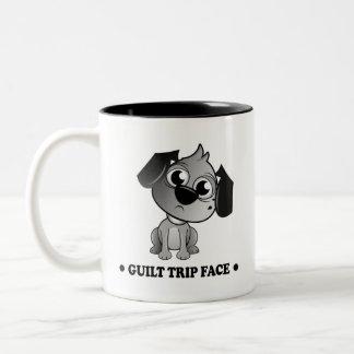 """De """"cão do fluff da cara da viagem culpa"""". Caneca"""
