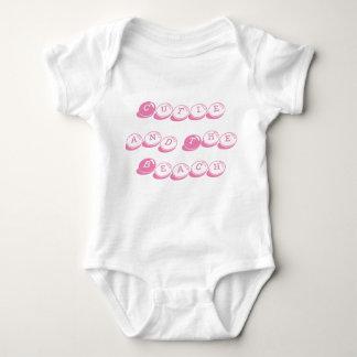 """De """"luva curta do bebê Cutie e da praia"""" uma parte Tshirt"""