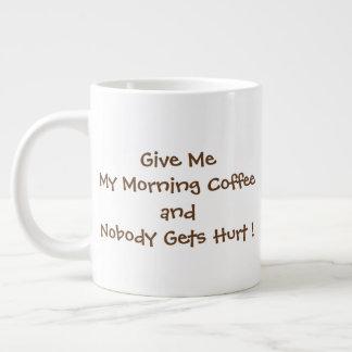 Dê-me minha caneca do jumbo do café da manhã