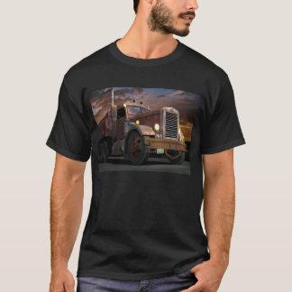 """De """"t-shirt do por do sol 55 Peterbilt Camiseta"""