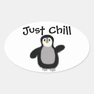 Decalque da etiqueta do pinguim adesivo oval