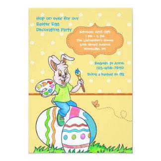 Decorando o convite de festas dos ovos da páscoa