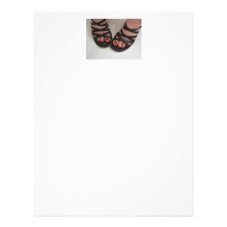 Dedos do pé Manicured bonito Flyer 21.59 X 27.94cm