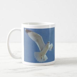 """""""Deixe meu espírito subir em vôo"""" caneca de café"""