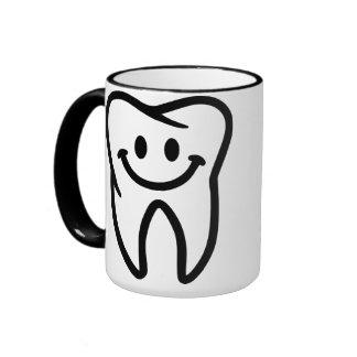 Dente de sorriso caneca com contorno