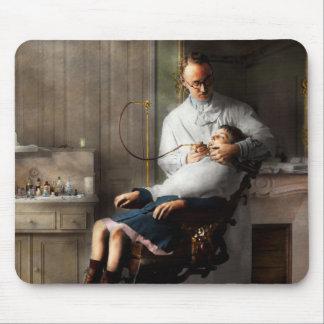 Dentista - boa higiene oral 1918 mouse pad