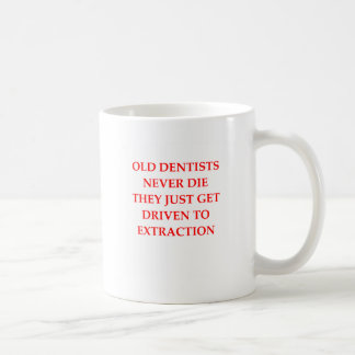 dentistas idosos caneca de café