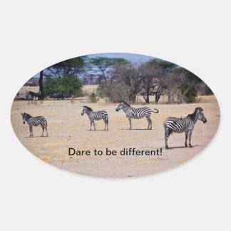 Desafio a ser diferente! adesivo oval