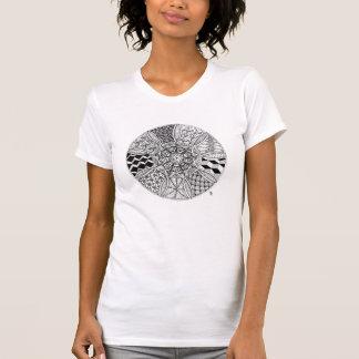 Desenho da mandala em preto e branco t-shirts
