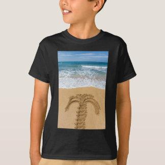 Desenho da palmeira no Sandy Beach Camiseta