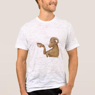 Desenho do café do bebendo da cabra da ram camiseta