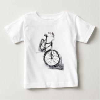 Desenho preto e branco da bicicleta tshirts