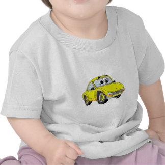 Desenhos animados amarelos do carro de esportes camisetas