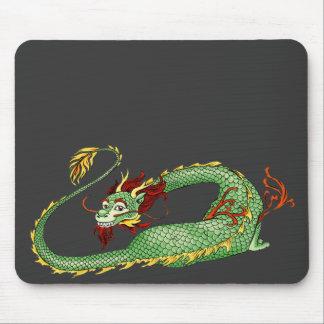 Desenhos animados asiáticos do dragão mouse pad