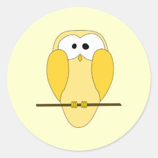 Desenhos animados bonitos da coruja. Amarelo Adesivo