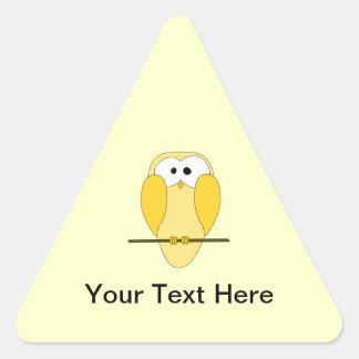 Desenhos animados bonitos da coruja. Amarelo Adesivo Triangular