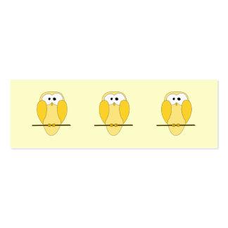 Desenhos animados bonitos da coruja. Amarelo Cartão De Visita Skinny