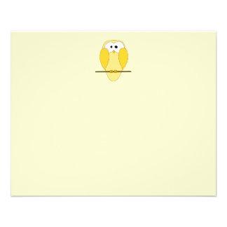 Desenhos animados bonitos da coruja. Amarelo Flyer 11.43 X 14.22cm