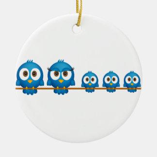 Desenhos animados bonitos da família de pássaro do ornamento de cerâmica
